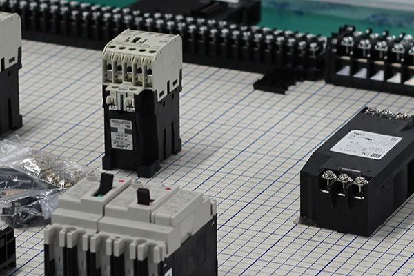 電子機器の製作